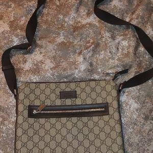 Gucci mens massenger bag